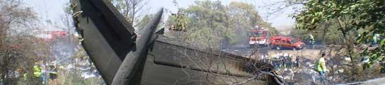 Restos del avión accidentado en Barajas.