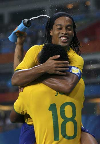 Ronaldinho con Brasil