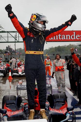 Vettel se perfila como el sustituto ideal de Schumacher en Ferrari