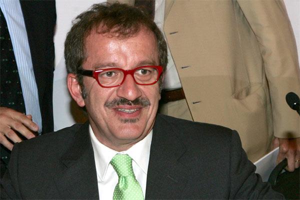 Roberto maroni muchos gitanos se han ido a la m s for Declaraciones del ministro del interior