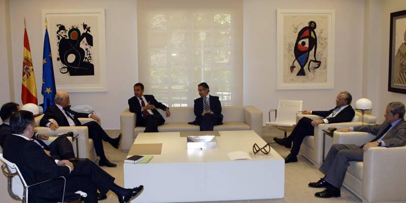 Zapatero, reunido con los representantes de los grandes bancos