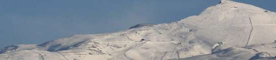 Sierra Nevada con nieve.