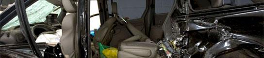 El coche en el que viajaban E. Arroyo y A. Torroja