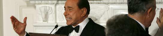 """Berlusconi asegura que también él debería estar incluido en la """"lista de imbéciles"""""""