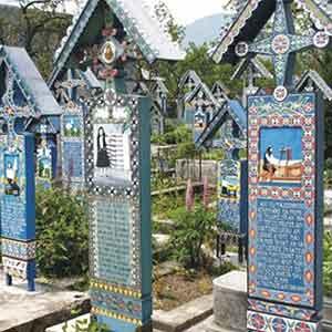 Lápidas del Cementerio Alegre, en Rumanía.