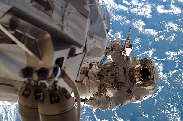 Astronautas beberán su propia orina purificada