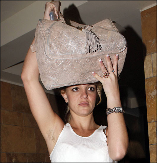 Britney spears desnuda mostrando pic 371