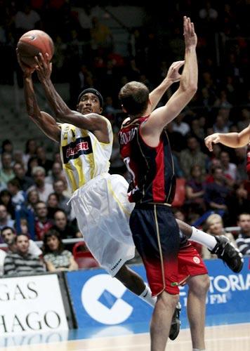Oscar Marques Green y Mirza Teletovic