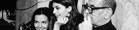 Luis Buñuel, junto a Carole Bouquet y Angela Molina en 'Ese oscuro objeto del deseo'.