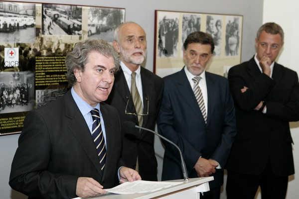 Cruz Roja Internacional entrega fondos documentales al Centro de la Memoria Histórica