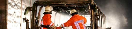 Mueren 20 personas al incendiarse un autocar de jubilados en Alemania