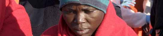 Llegan a Motril en buen estado los 103 subsaharianos localizados en Alborán