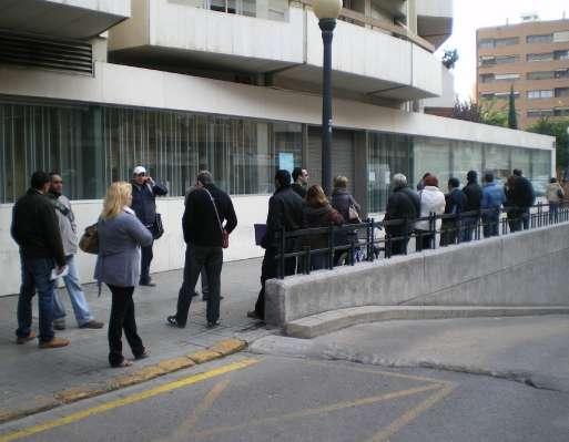 Colas en las oficinas del paro en Valencia