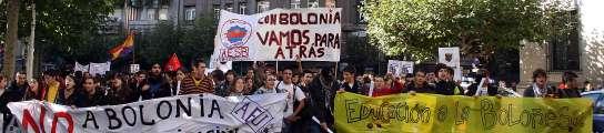 Más de 500 universitarios se manifiestan en León contra el plan de Bolonia