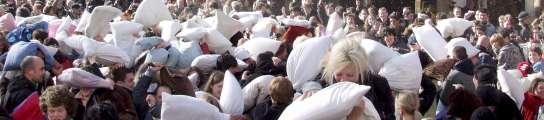 Cientos de jóvenes ya acudieron en Londres a un acto similar en marzo de este año.