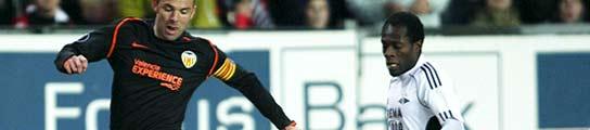 Valencia y Depor golean en la UEFA y el Racing empata en París