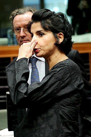 Rachida Dati (28/11/2008). Rachida Dati, ministra de Justicia francesa, antes del comienzo del Consejo de Ministros de Justicia de la Unión Europea en Bruselas.