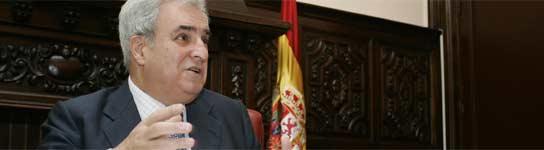 Enrique Múgica.