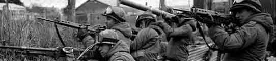 Soldados argentinos durante la Guerra de las Malvinas