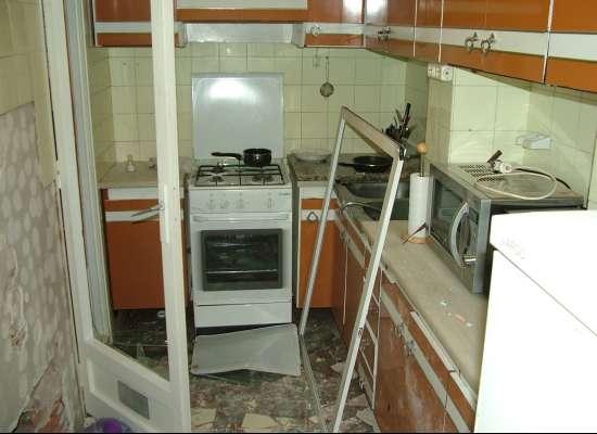 Estado en el que quedó la cocina del piso afectado por la explosión.