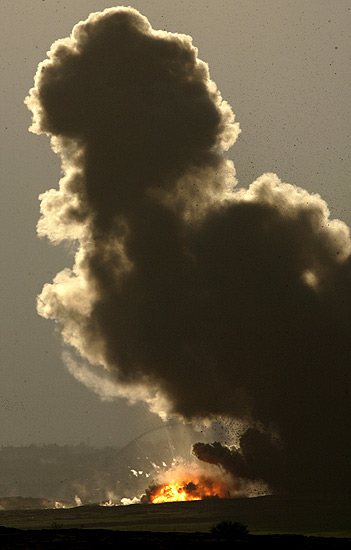 Bomba israelí en Gaza (2/1/2008)