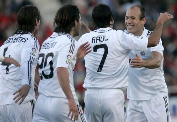Sergio Ramos, Higuaín, Raúl y Robben.