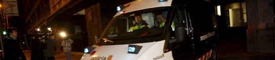 Los Mossos d'Esquadra no podrán ir armados en los traslados en ambulancia  (Imagen: EFE)