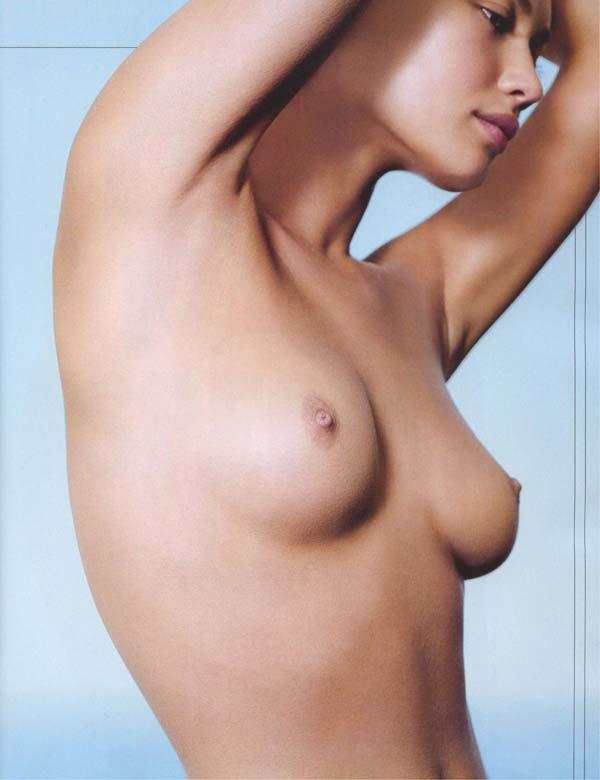 Kurylenko, en una de las fotografías publicadas por Maxim.