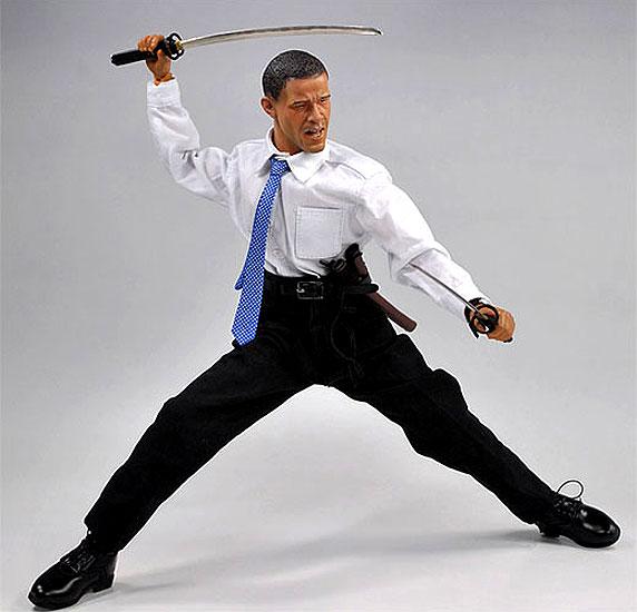 Obama, versión Madelman. ObaMadelman. El presidente de Estados Unidos, Barack Obama, ya ha inspirado a las compañías jugueteras, que han hecho versiones madelman del mandatario. En la imagen, el Obama de la compañía Gamu Toys.