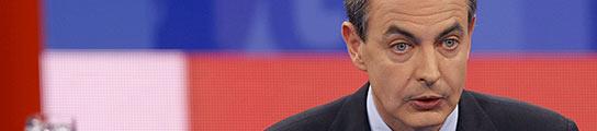 """Zapatero pide a los trabajadores que """"sigan consumiendo"""" para reactivar la economía"""