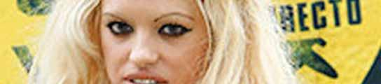 Ana López García, doble oficial de Pamela Anderson. VERTELE.COM