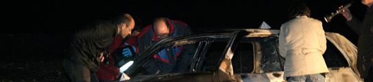 Encuentran el cadáver carbonizado de una mujer en un coche incendiado en Granada