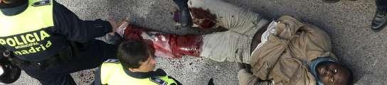 Un policía hiere de bala a un inmigrante después de que éste acuchillara a 2 agentes