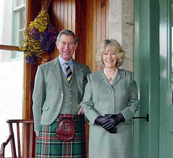 El príncipe Carlos, junto a su esposa Camilla, en una imagen de archivo.