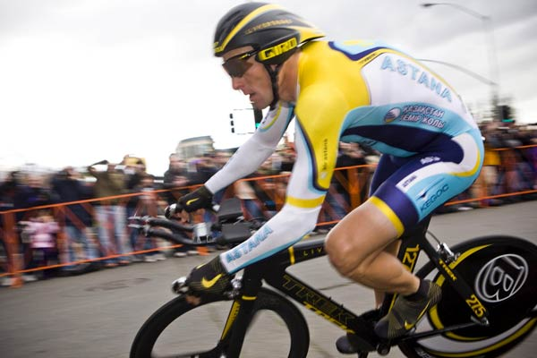 Lance Armstrong y su bicicleta