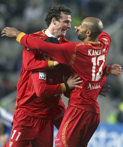 Kanoute y Squillaci