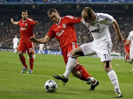 Robben y Fabio Aurelio