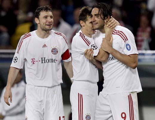Van Bommel, Klose y Luca Toni
