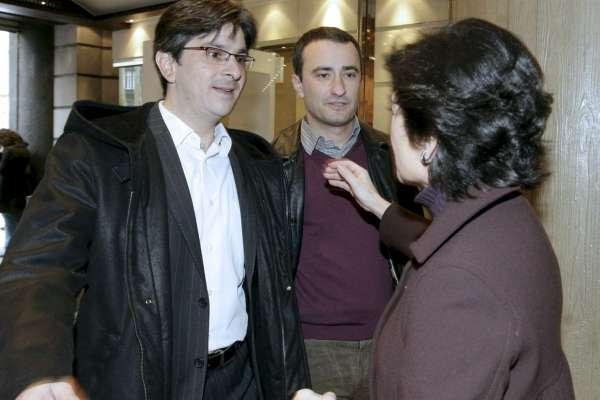 Belén Greaves (PNV) recibe a Mikel Arana e Igor Irigoyen, de EB.