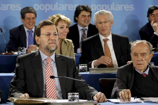 Rajoy y su junta directiva.