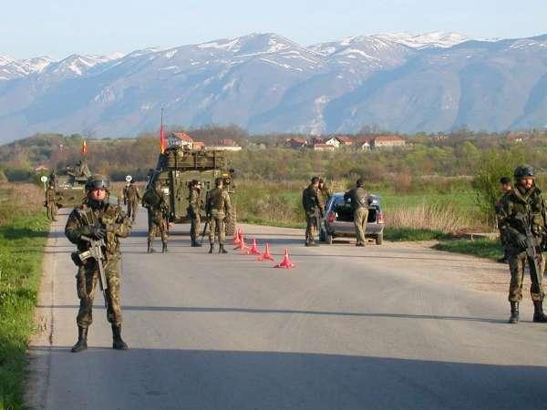 Soldados españoles en Kosovo