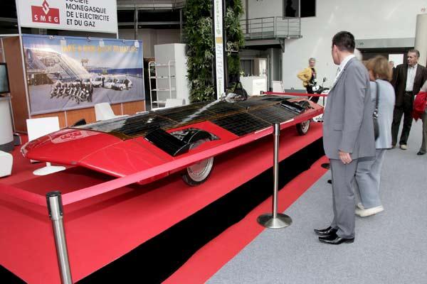 Coches y motos ecologicas.......El futuro-http://estaticos.20minutos.es/img/2009/03/27/945999.jpg?v=20090327212124