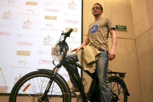 Guim Valls Teruel dará la vuelta al mundo en bicicleta eléctrica.