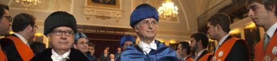 Dawkins arremete contra el Papa