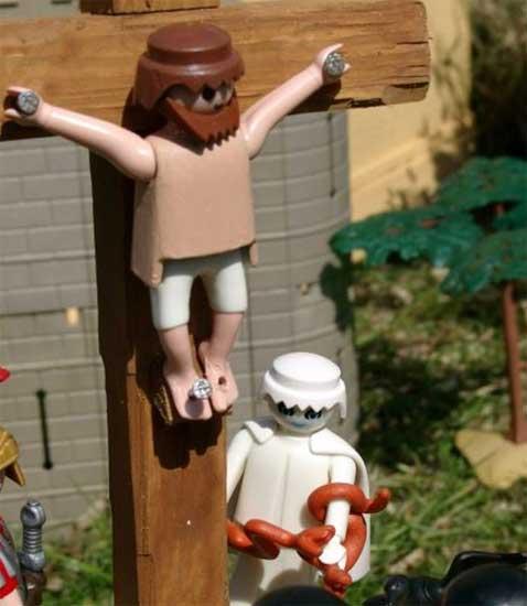 """""""Playmobil"""" Denuncia a cura aleman por recrear escenas Biblicas con sus muñecos 947878"""