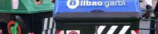 Cambian los contenedores de Bilbao por otros de plástico y así no harán tanto ruido