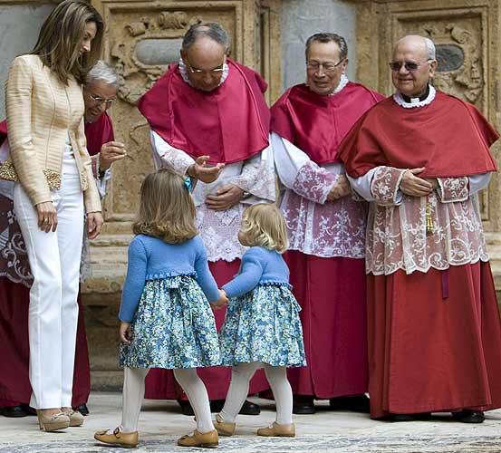 西班牙皇室小公主在马略卡的大教