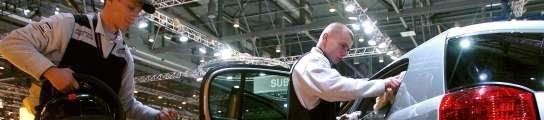 GM cierra temporalmente 14 fábricas y Chrysler se prepara para la bancarrota