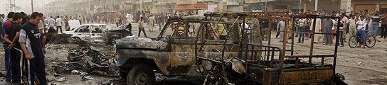 Un atentado con tres coches bomba mata a 41 personas en un distrito chií de Bagdad  (Imagen: Kahtan al-Mesiary / Reuters)