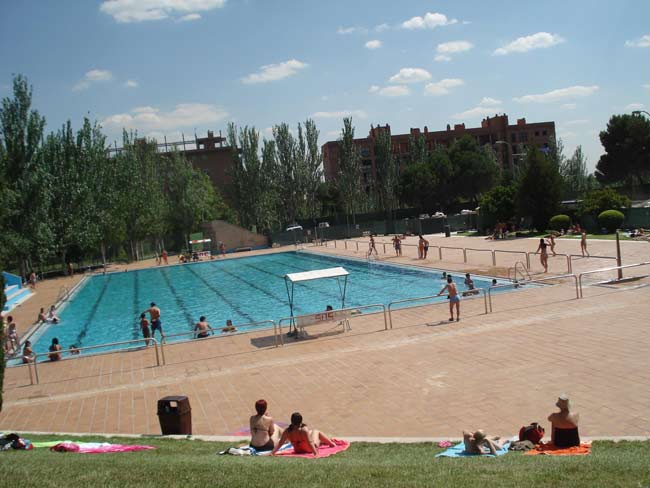 Las 60 piscinas municipales de madrid iniciar n este for Piscinas de verano madrid